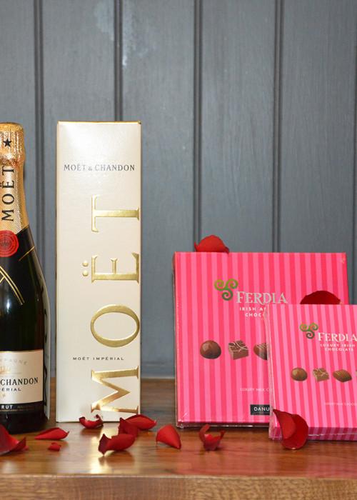Moet & Chandon Champagne & Milk Chocolates